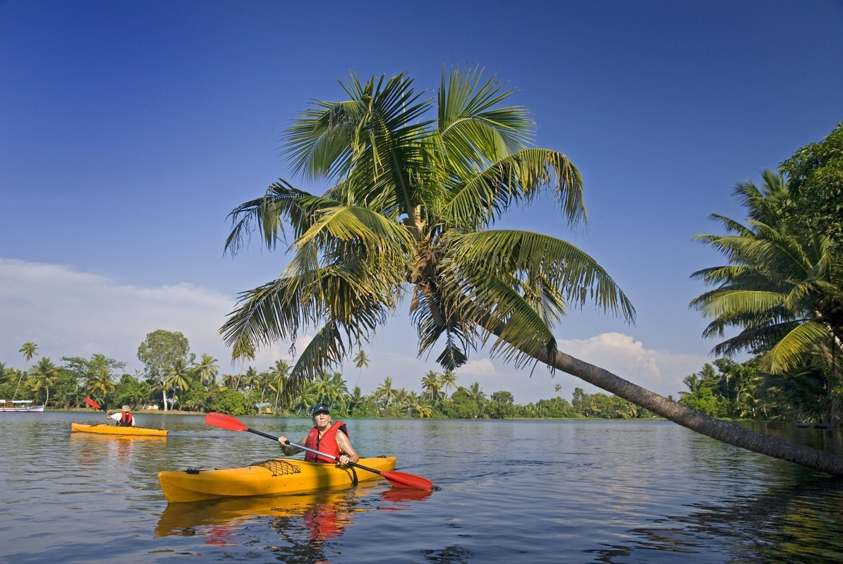 Travspire-Experience-Backwaters-Kayaking
